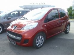 PEUGEOT 107, berlina 5 usi, 1.0E (68 CP) in rate