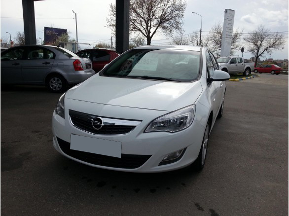 leasing opel astra 2010 1 6 e 116cp 36672 km opel leasing auto rulate. Black Bedroom Furniture Sets. Home Design Ideas