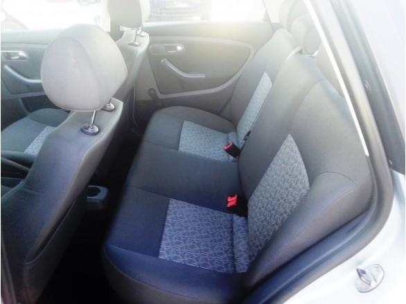 Leasing seat cordoba 2009 1 4 e 85cp 86529 km seat for Seat cordoba interior