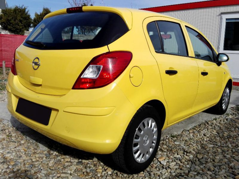 leasing opel corsa 2011 1 2 benzina 86cp 82300 km. Black Bedroom Furniture Sets. Home Design Ideas
