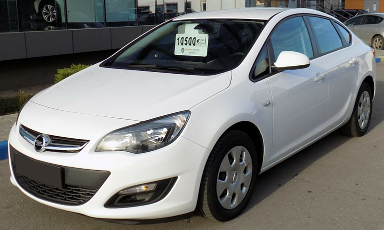 leasing opel astra 2013 1 6 e 115cp 76779 km. Black Bedroom Furniture Sets. Home Design Ideas